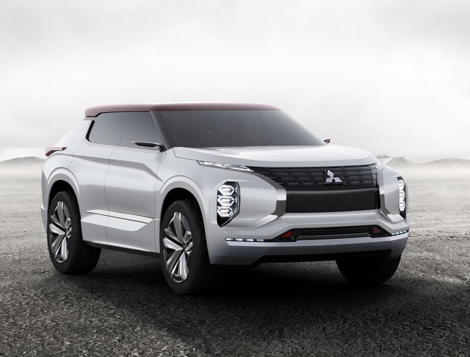 Мировая премьера концепт-кара Ground Tourer SUV MITSUBISHI GT-PHEV