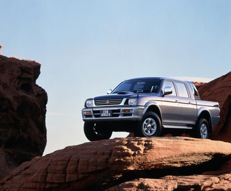 Сорок лет успеха пикапов Mitsubishi