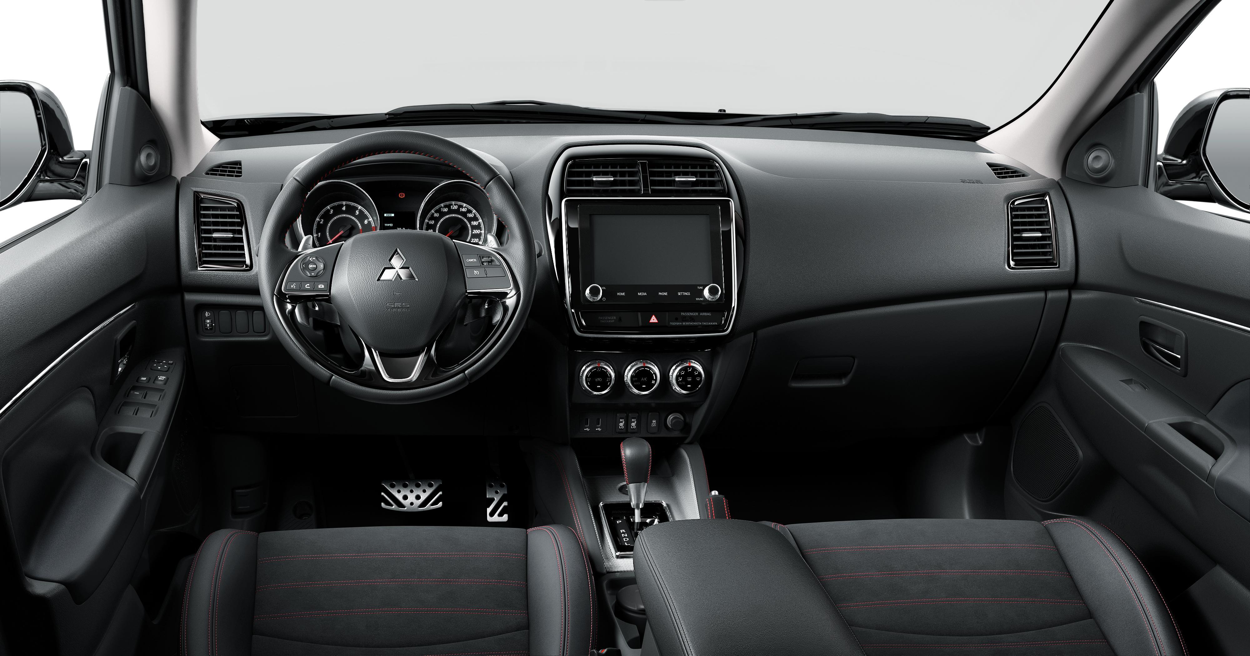 Обновлённый Mitsubishi ASX в чёрном стиле
