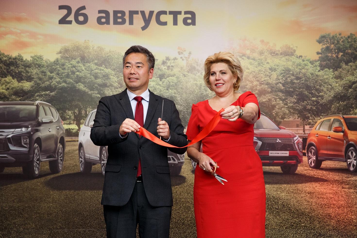 РОЛЬФ Восток преобразился по новым стандартам Mitsubishi